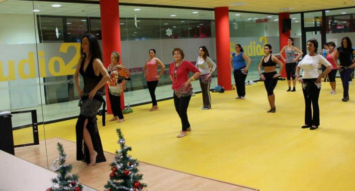 Danza Oriental vs Gimnasios