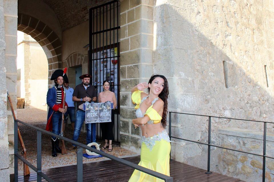 El mayor desembarco pirata de Almerimar con Cristina Samaniego
