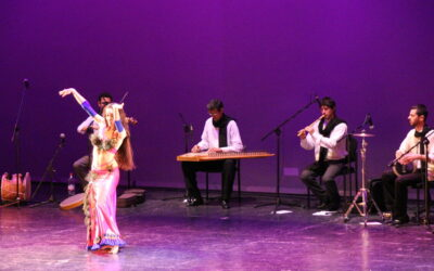 Espectáculo de danza oriental y orquesta de músicos árabes